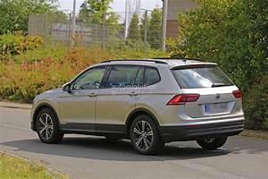 Volkswagen Tiguan 7 Places : surprise le suv sept places volkswagen tiguan xl ne se cache plus ~ Medecine-chirurgie-esthetiques.com Avis de Voitures