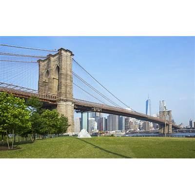 BROOKLYN BRIDGE PARK — Empire Stores
