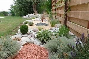 jardin mineral ou la pierre au service du vegetal idee With marvelous quelles plantes pour jardin zen 0 quelles plantes pour son jardin sec idees et conseils utiles