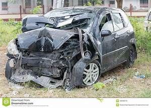 Accident De Voitures : v hicule endommag apr s accident de voiture photo stock image 48296070 ~ Medecine-chirurgie-esthetiques.com Avis de Voitures