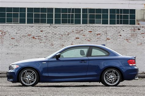 siege auto bmw serie 1 2013 bmw e82 1 series 135is coupe review by autoblog