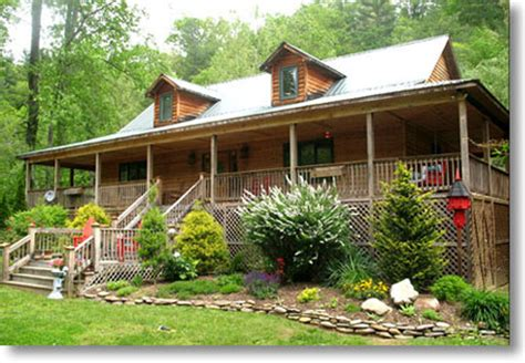 boone nc cabin rentals whisper pines lodge boone carolina creekside