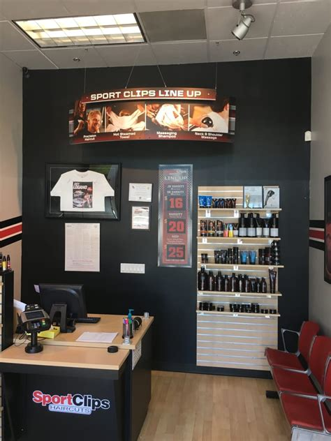 sport clips haircuts  crossroads  pleasant hill    reviews barbers