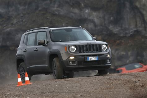special jeep renegade night eagle arrives  european