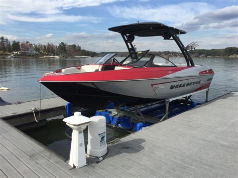 Floating Boat Lift by Hydrohoist Floating Boat Lifts And Pwc Lifts