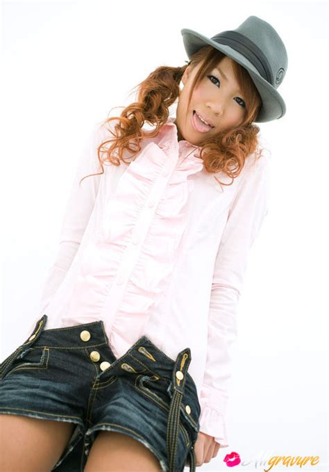Mai Hoshino Asian With Hat Takes Short Jeans Off And Shows
