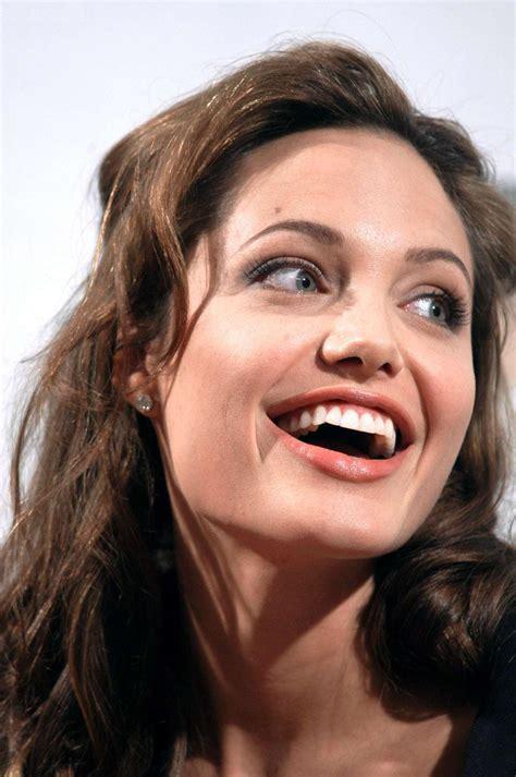 Angelina Jolie photo 732 of 3411 pics, wallpaper - photo ...
