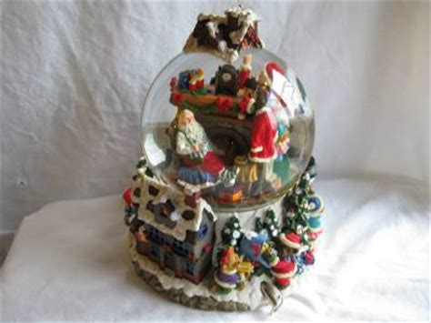large snow globes christmas large musical light up spinning snow globe santa is comming to town ebay