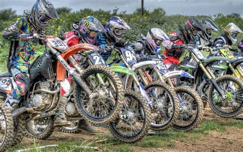 racing motocross bikes dirt bike racing wallpaper 34223