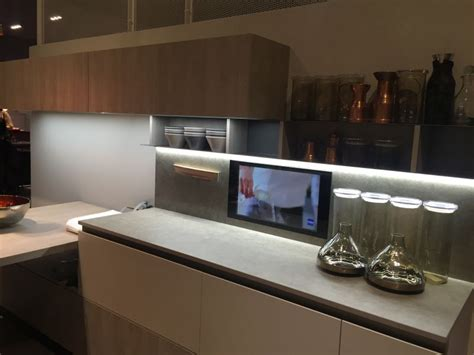 under cabinet led lighting puts the spotlight on the
