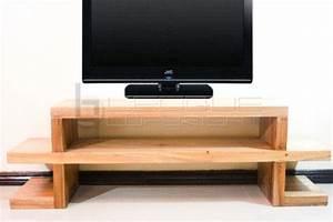 Table Tv Design : quique tv solid make low console tv table leoque collection one look one collection ~ Teatrodelosmanantiales.com Idées de Décoration