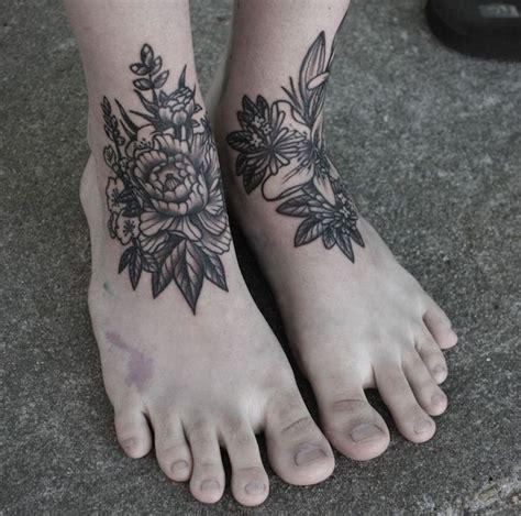 1001 id 233 es tatouage pied il marche discr 232 tement