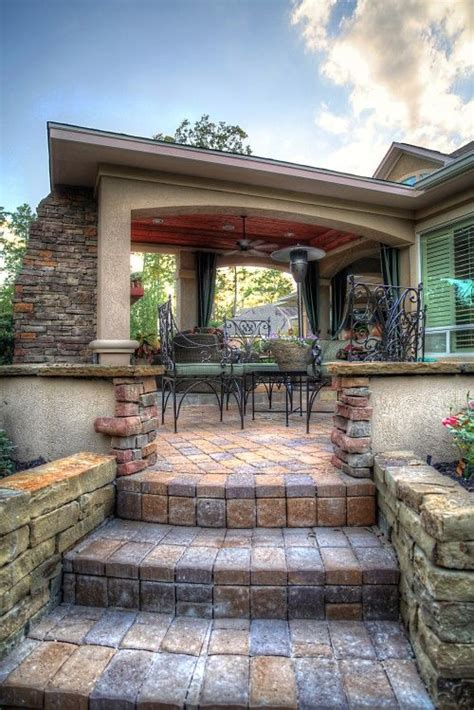 covered brick and stucco patio outdoor