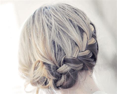 30 Sexy Updos For Shoulder Length Hair