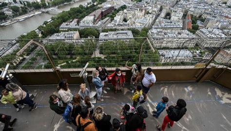Eifeļa tornis atkal atvērts apmeklētājiem - DELFI