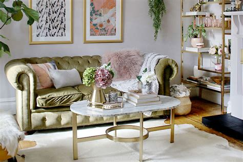 Decorating it more look good helps you create a fascinating impression with your guests. 59 Best Coffee Table Decor Ideas (2020 Guide)