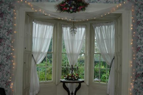 Country Style Curtains And Drapes - country style curtains and amish furniture