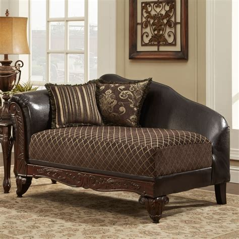 Bedroom Chaise by Engaging Bedroom Chaise Longue Chairs And Classic Table