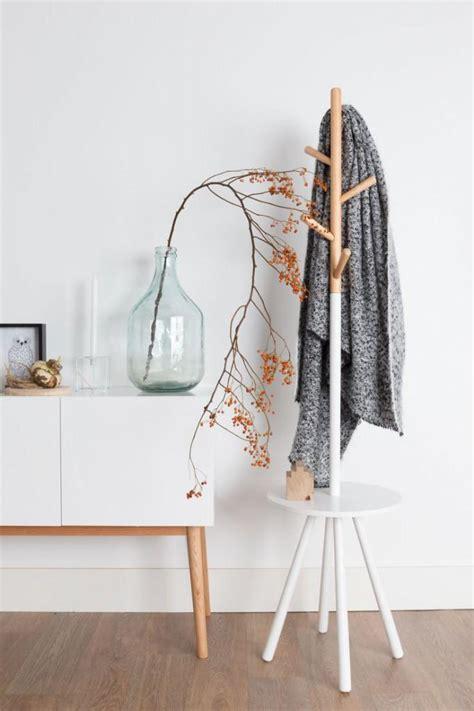 Kleiderständer Holz Design by Design Kleiderst 228 Nder Table Tree Holz Zuiver