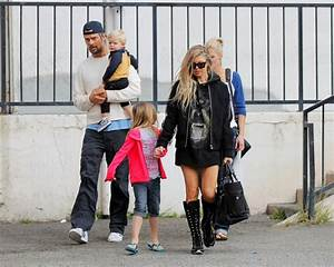 Josh Duhamel in Josh and Fergie Have a Family Day - Zimbio
