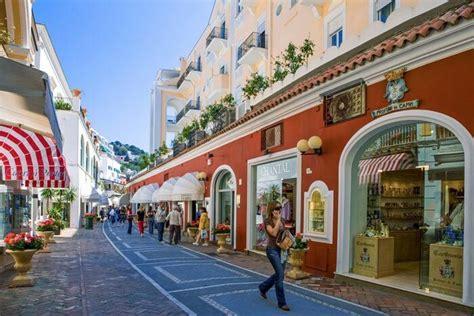 places enjoy shopping italy