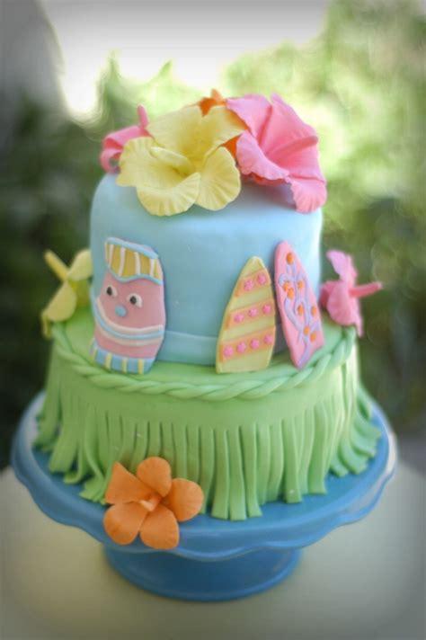 Hawaiian Cake Decorations by Hawaiian Cake Luou Theme Mmf With Gum Paste Hibisucus