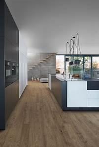 Küchen Modern Mit Kochinsel : k che mit holzboden 9 bilder ideen von k chen mit parkett und holzdielen kitchen colour ~ Sanjose-hotels-ca.com Haus und Dekorationen