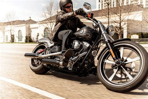 Harley Davidson Breakout Modification by 2014 Harley Davidson Fxsb Breakout Pics Specs And