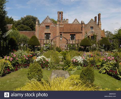 house and garden uk chenies manor house and garden chenies buckinghamshire