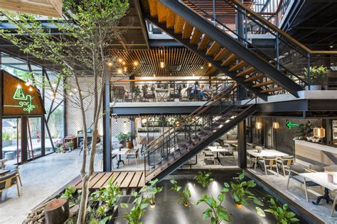 Enjoy a lovely ombiyonce of garden style café with amazing beverages and delectable treats. Gallery of An'garden Café / Le House - 31 | Commercial in 2019 | Coffee shop design, Cafe design ...
