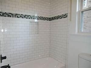 Guest Bath tub with subway tile surround - Vision Pointe