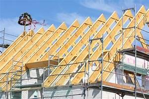 Wie Wird Ein Dach Gedämmt : dachkonstruktionen im hausbau das satteldach ~ Lizthompson.info Haus und Dekorationen