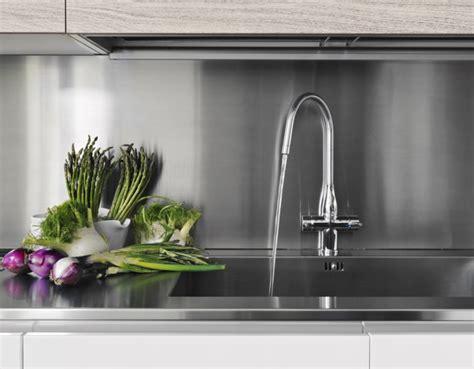 pulire calcare vetro doccia come pulire e sgorgare gli scarichi in modo ecologico