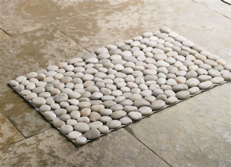 Pebble Doormat by 7 Bath Mat Ideas To Make Your Bathroom Feel More Like A Spa