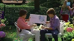 """Cole & Dylan Sprouse Read """"Jeremy Draws a Monster"""" - YouTube"""