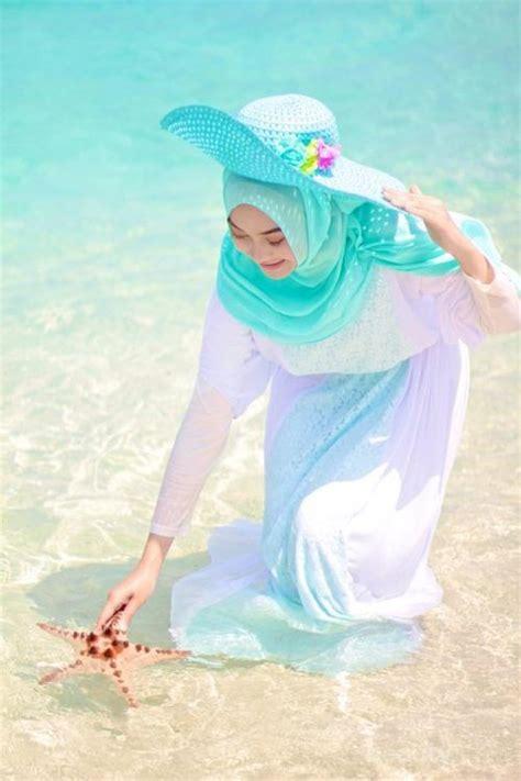 View Ootd Jumpsuit Hijab Pantai Background