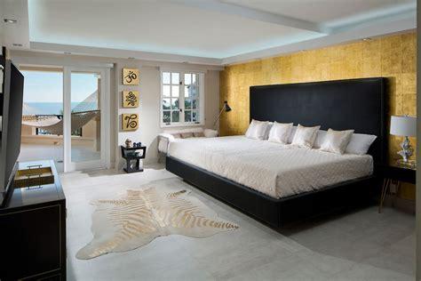 chambre des maitres moderne appartement design luxe avec superbe vue sur la mer à