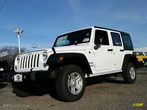 2015 Jeep Wrangler Unlimited Sahara White