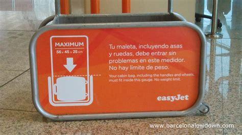 handbag  hand luggage  plane easyjet