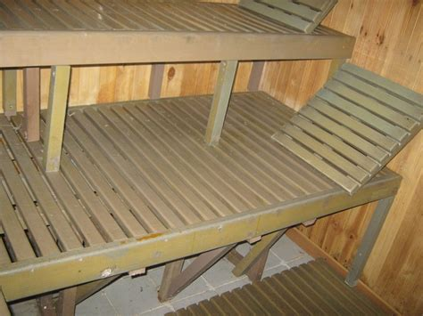mesa  sillas  exteriores plasticos  parasoles