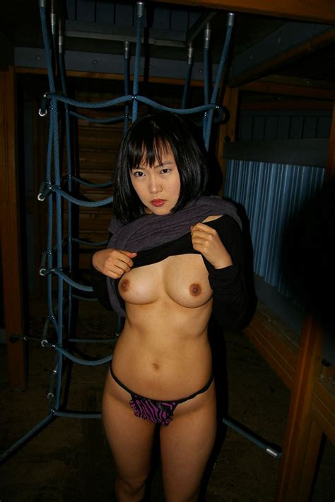 Amateur Korean Wife With Nice Boobs Posing — Asian Sexiest Girlsasian Sexiest Girls