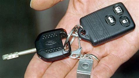 gestohlen oder verloren autoschluessel weg  tun