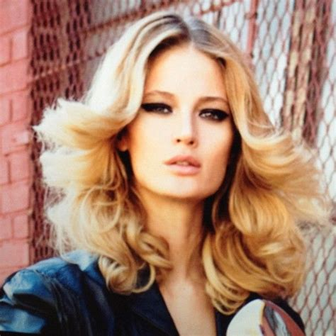 How To 70s Hairstyles by 27 Best Images About 70 S Makeup Looks On Make