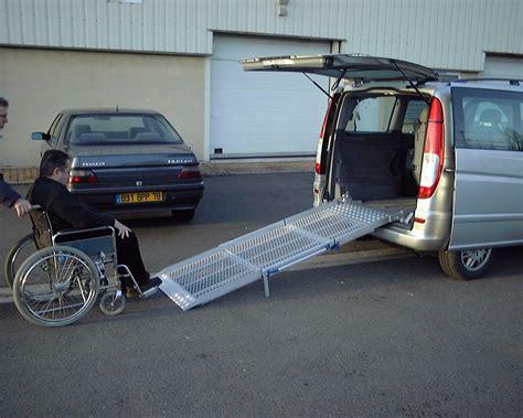 vehicule pour fauteuil roulant transfert de fauteuils bl adaptauto