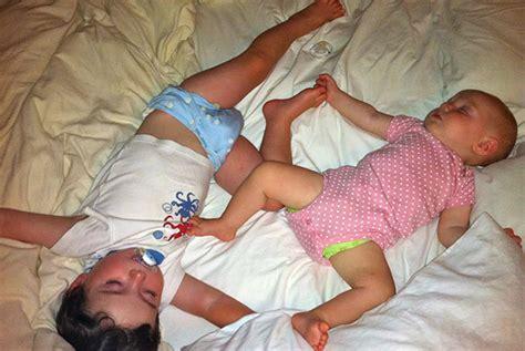 quand faire dormir bébé dans sa chambre comment faire dormir un bébé et un petit enfant dans la