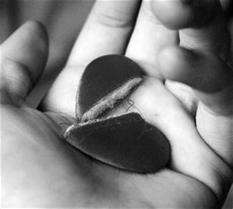 broken heart  hand broken heart myniceprofilecom