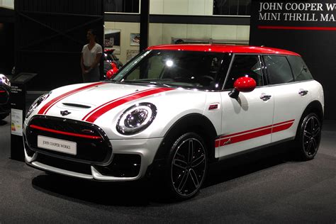 bhp mini jcw clubman arrives  paris  auto