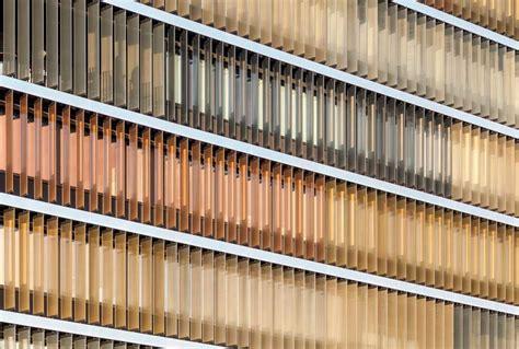 News Produkte Archivbionik In Der Fassadenverschattung by Glaslamellen Mit Integriertem Sonnenschutz Fassade