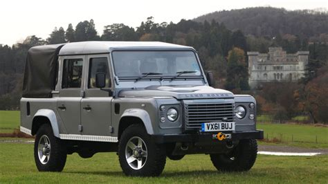 land rover defender 2017 land rover defender pickup coming in 2017 autoblog