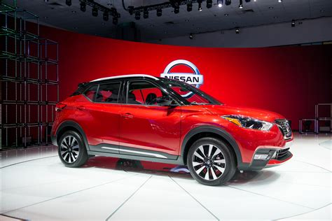 nissan kicks 2018 nissan kicks debuts as the brand 39 s urban utility warrior